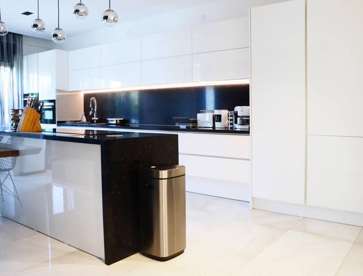 Arte FABBRO – Mutfak Girişinden Bir Görüntü:  tarz Mutfak