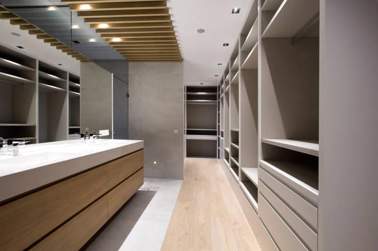 Reforma Piso en Avilés: Baños de estilo  de Bocetto Interiorismo y Construcción