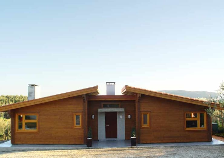 Rumah kayu oleh Rusticasa, Modern Parket Multicolored