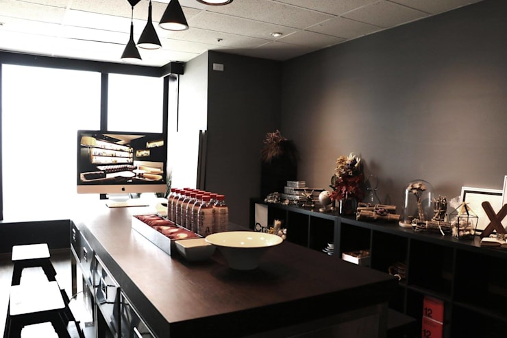 乘雙設計制造所:  辦公室&店面 by X2 CREATE乘雙設計制造所
