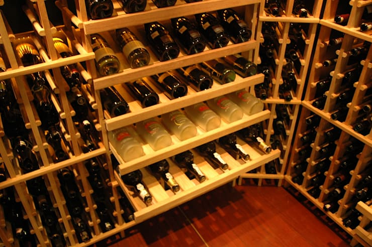 WINE CELLAR:  Ruang Penyimpanan Wine by AWDS Interior