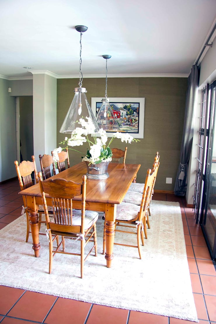 Burton Ave:  Dining room by House Couture Interior Design Studio