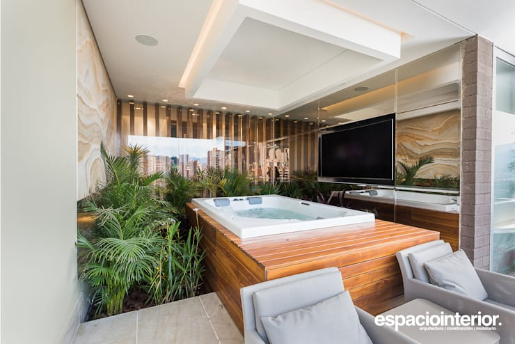 eclectic Pool by EspacioInterior