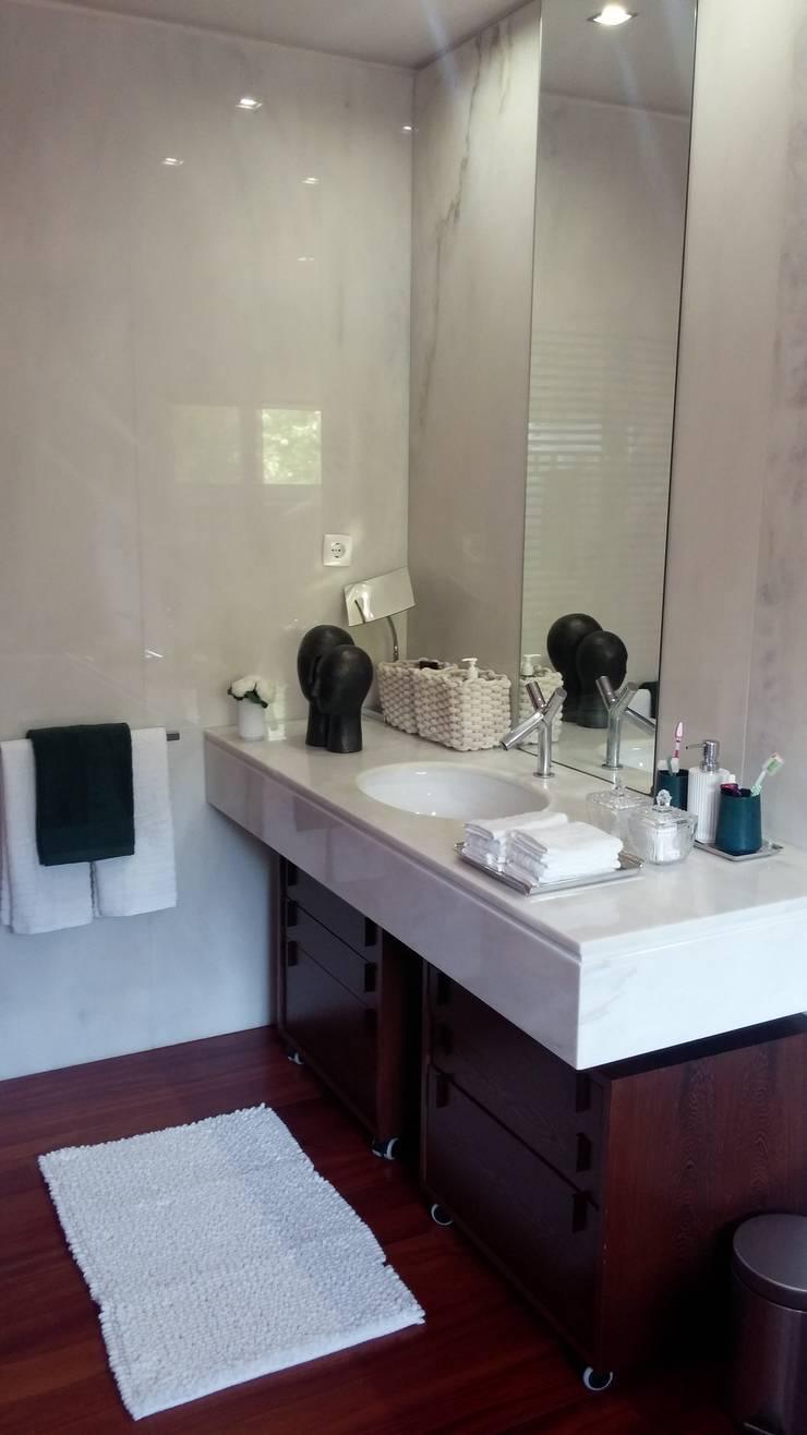 wc : Casas de banho  por ANA LEITE - INTERIOR DESIGN STUDIO