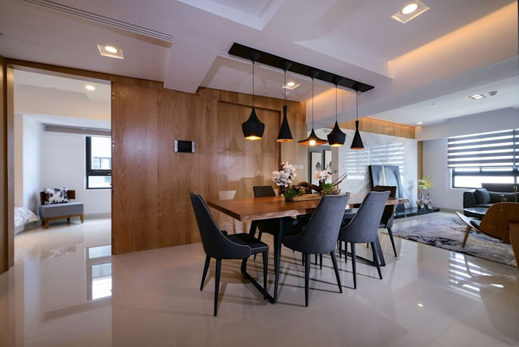 Dining room by 見本設計, Eclectic