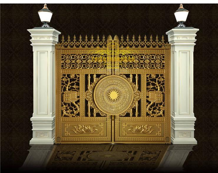 Cổng nhôm đúc Trúc Mai Hóa Rồng:  Biệt thự by Cổng nhôm đúc Thiên Thanh Bảo