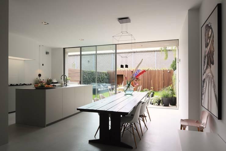 Foto:  Eetkamer door Koen Timmer, Modern