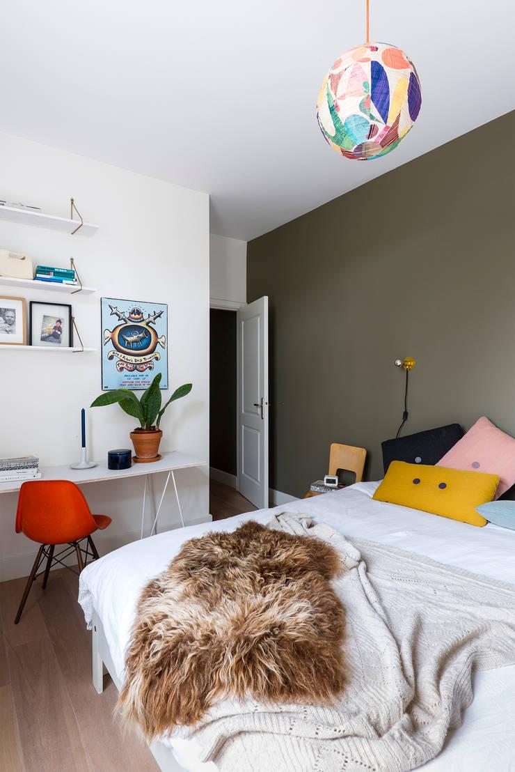 Slaapkamer:  Slaapkamer door FORM MAKERS interior - concept - design