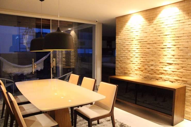 Comedores de estilo  por Opus Arquitetura e Urbanismo