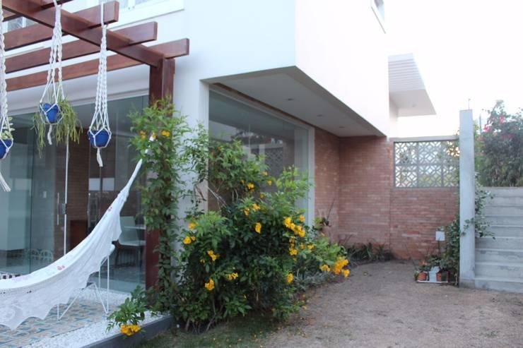 Terrazas  de estilo  por Opus Arquitetura e Urbanismo