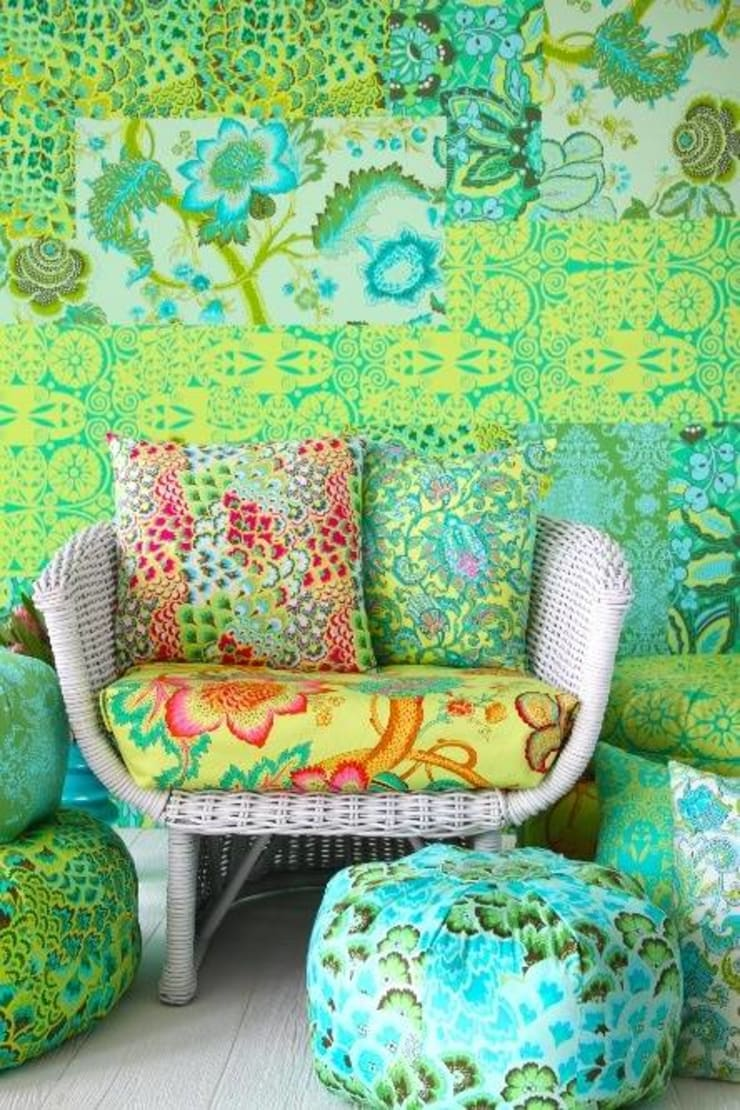 A Colorful Lounge:  Living room by Spacio Collections