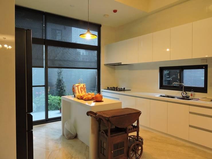 登品空間規劃工程有限公司が手掛けたキッチン