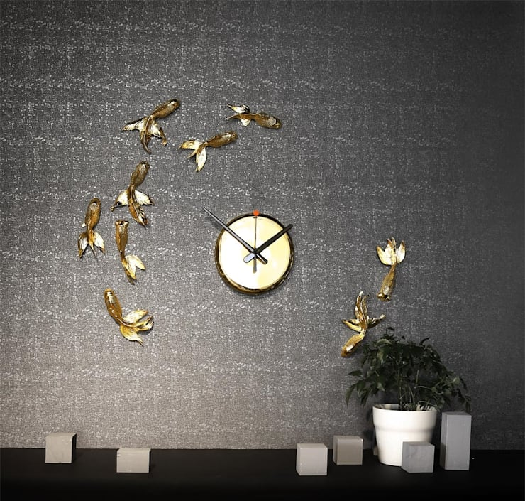 Haoshi Goldfish Wall Clock:  Living room by Just For Clocks