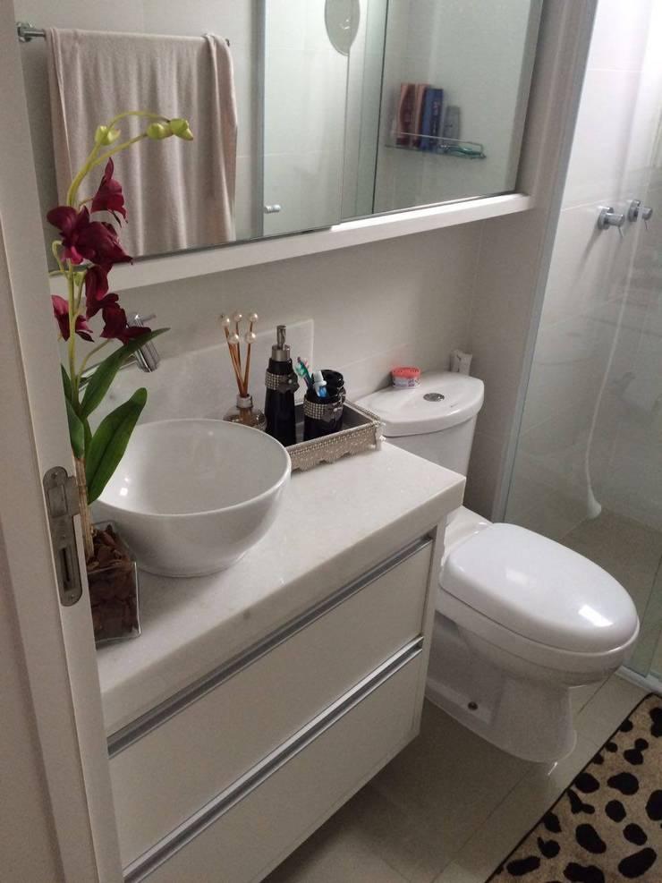 Apartamento en Itajaí Brasil: Baños de estilo  por MBdesign