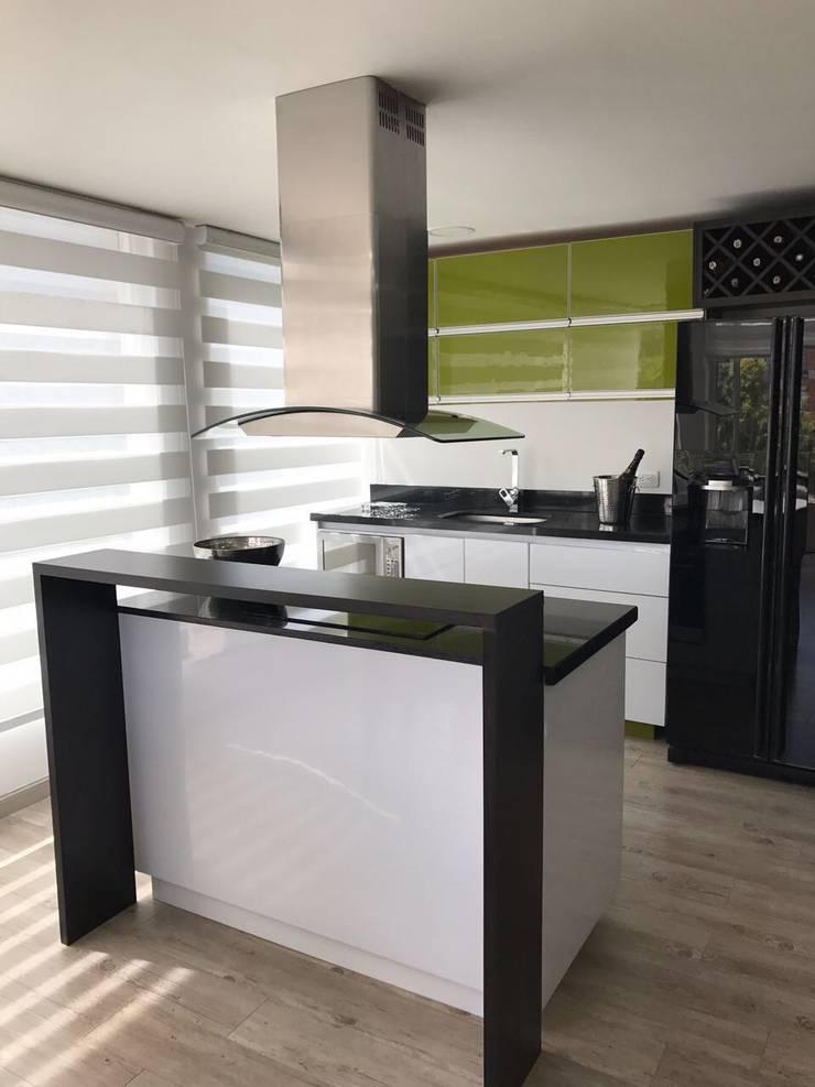 Apartamento en Bogotá Calle 100: Cocinas de estilo  por MBdesign