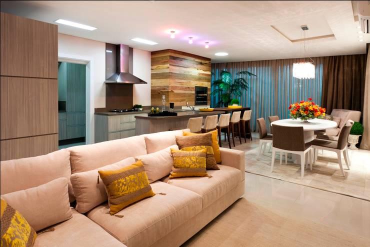 Apartamento en Balneario Camboriu - Brasil: Cocinas de estilo  por MBdesign