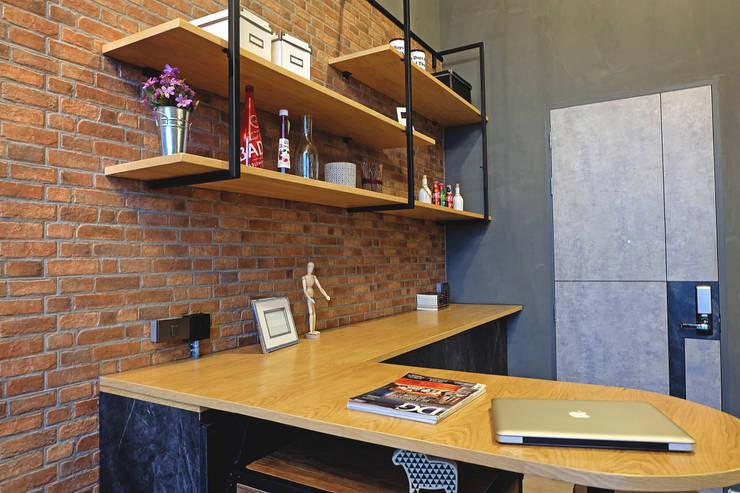 สไตล์ Indrustrial (Duplex Plan):  ตกแต่งภายใน by Knock door interior design & decoration