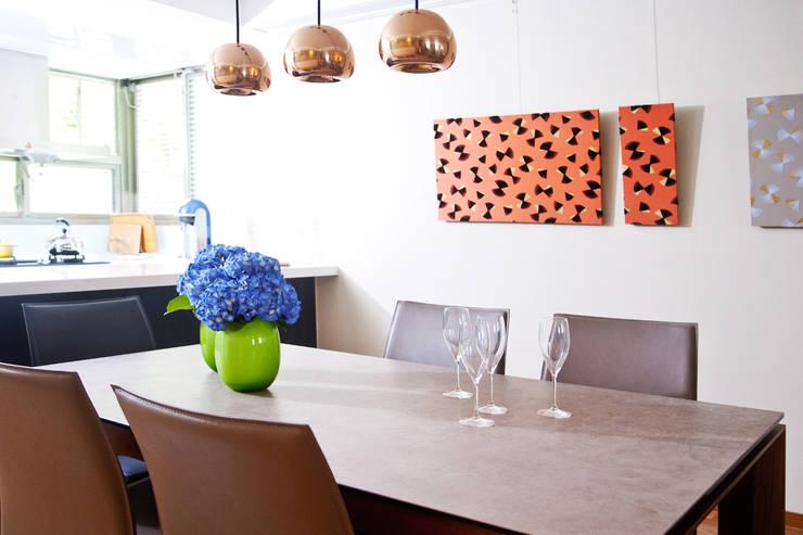紐約家居 New York New York:  餐廳 by 瑄境設計 Xuan Jing