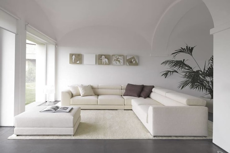 The Minimalist's Living Room: minimalistic Living room by Spacio Collections