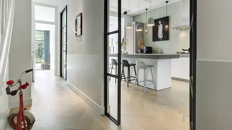 Koridor dan lorong by BNLA architecten