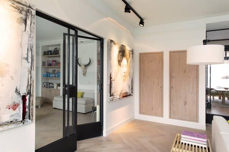 Puertas de estilo  por BNLA architecten