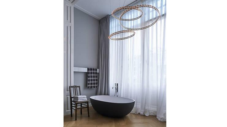 Modern ontwerp in monumentale stadswoning:  Slaapkamer door BNLA architecten