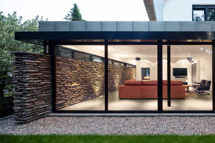 Bosrijk wonen in een droomvilla:  Huizen door BNLA architecten