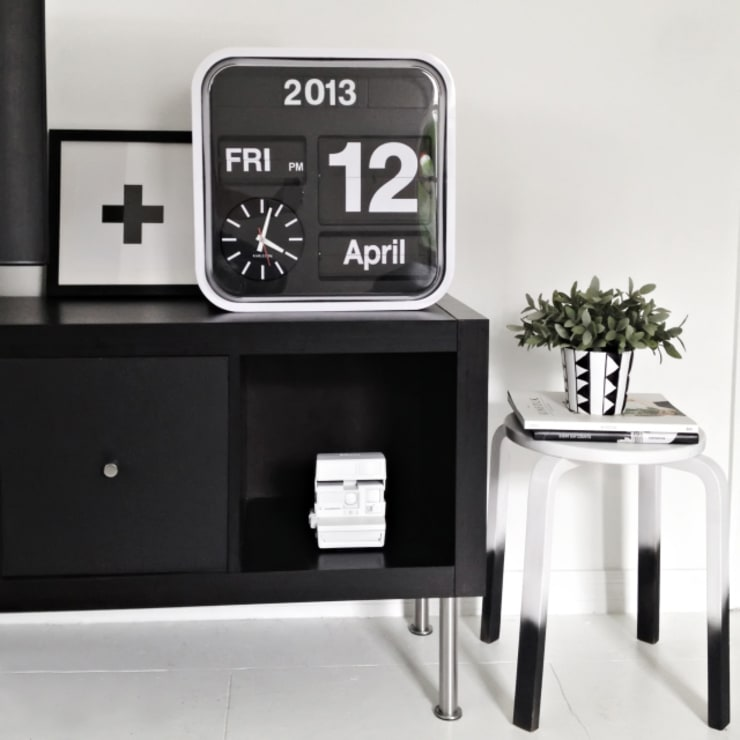 Karlsson Flip Clock Mini:  Office spaces & stores  by Just For Clocks
