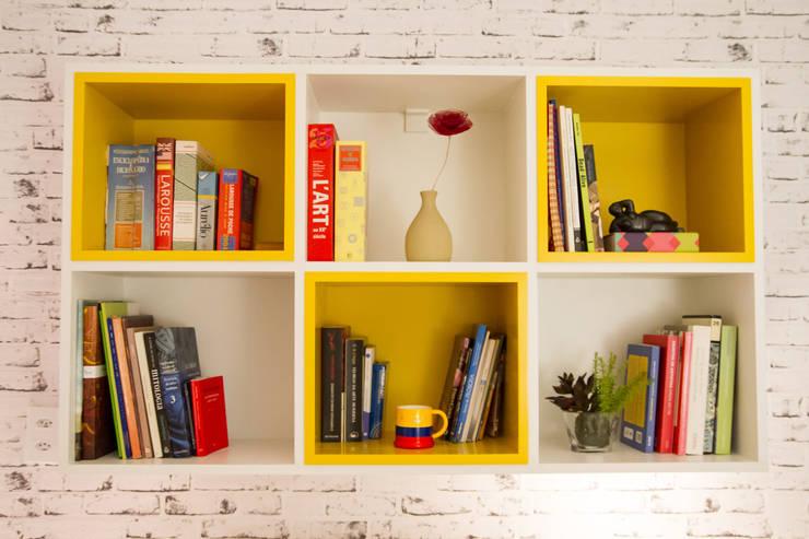Home Office/Quarto de Hóspedes: Escritórios  por Seleto Studio Design de Interiores