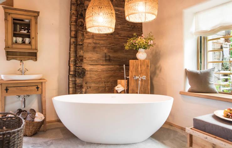 Phòng tắm theo Maxxwell AG, Hiện đại Thạch anh