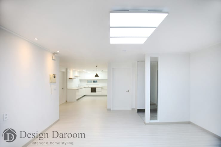 일산 성원3차 아파트 거실: Design Daroom 디자인다룸의  거실,