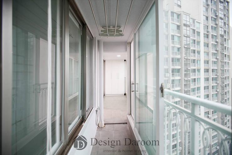 일산 성원3차 아파트 발코니: Design Daroom 디자인다룸의  베란다,