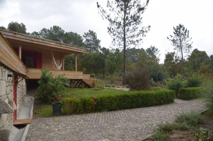 Casas de madeira  por homify