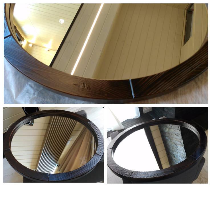 Круглое зеркало в рустикальном стиле: Прихожая, коридор и лестницы в . Автор – Творческая мастерская АRTBOOS