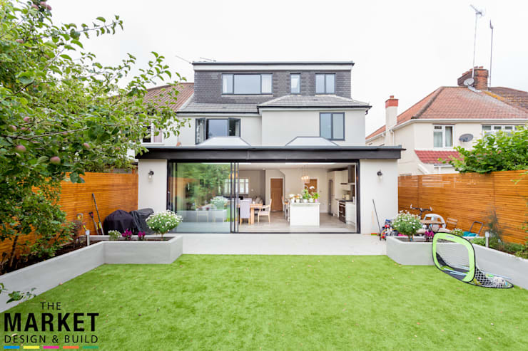 STUNNING NORTH LONDON HOME EXTENSION AND LOFT CONVERSION:  Houses by The Market Design & Build