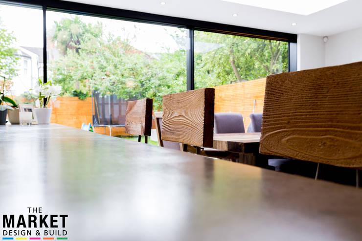 Ruang Makan oleh The Market Design & Build, Modern