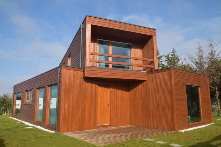 RUSTICASA | Post & Beam | Vila Nova de Gaia: Casas de madeira  por Rusticasa