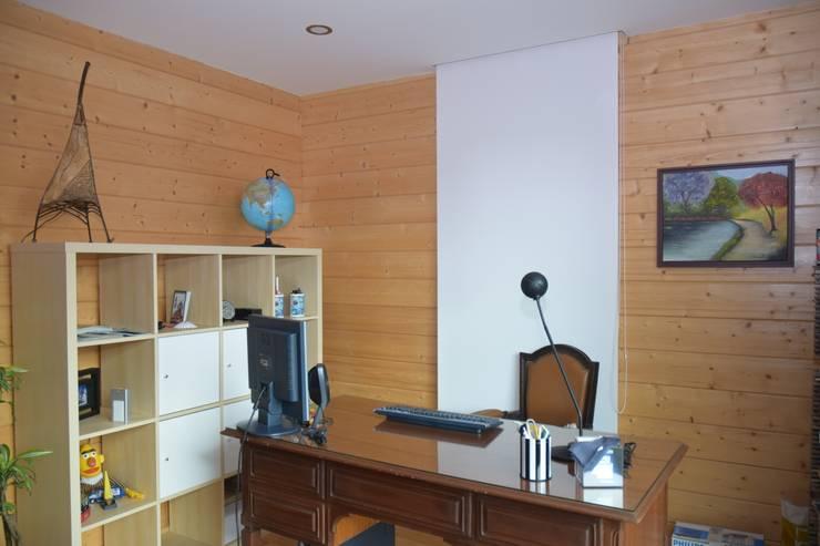 RUSTICASA | Post & Beam | Vila Nova de Gaia: Escritórios e Espaços de trabalho  por Rusticasa