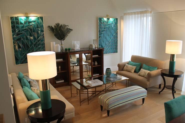 Classic style living room by Rita Glória interior design Classic
