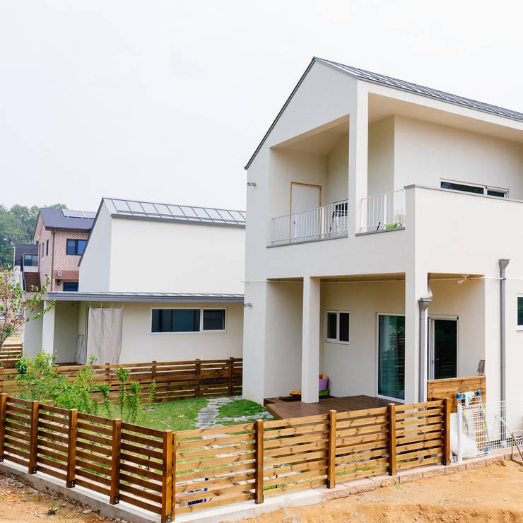 華廈 by AAPA건축사사무소