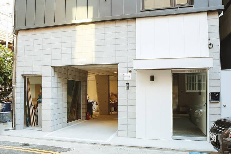 희소헌: AAPA건축사사무소의  주택,모던