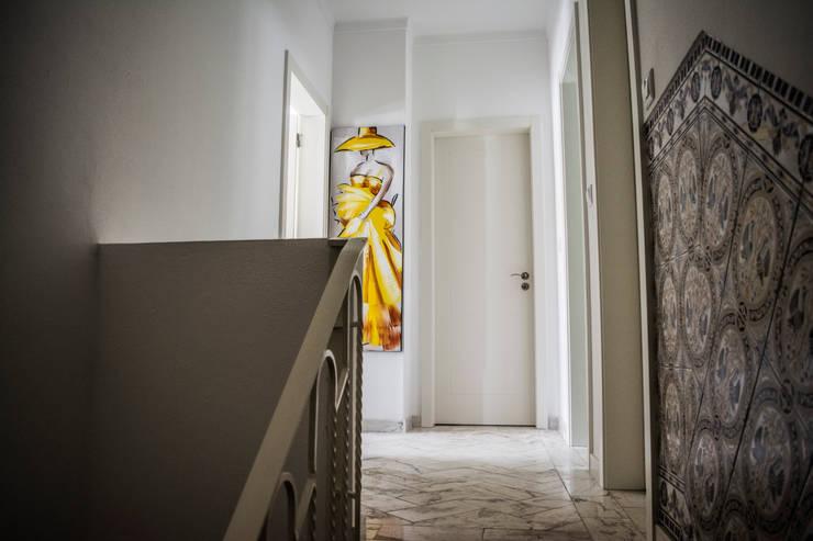 Corridor & hallway by Grupo Norma