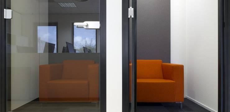 Belcellen:  Kantoor- & winkelruimten door Studio Nor, Modern