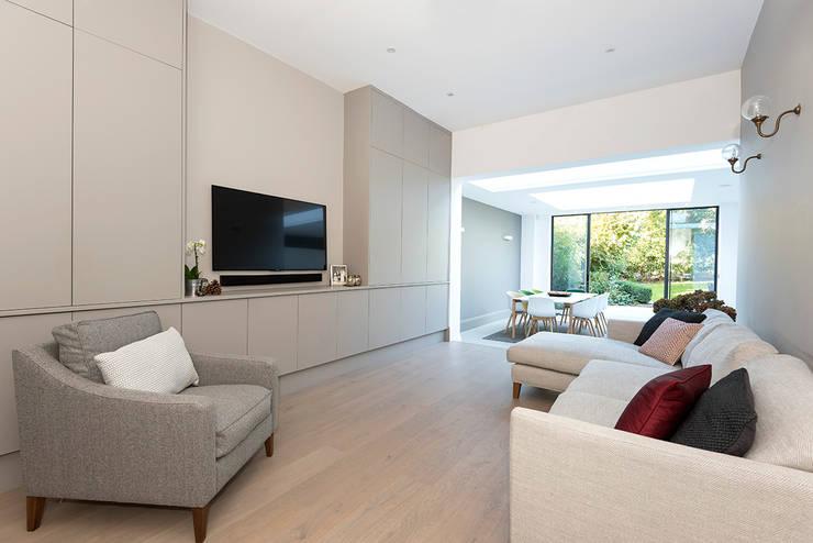 Victorian Conversion Salon minimaliste par Corebuild Ltd Minimaliste