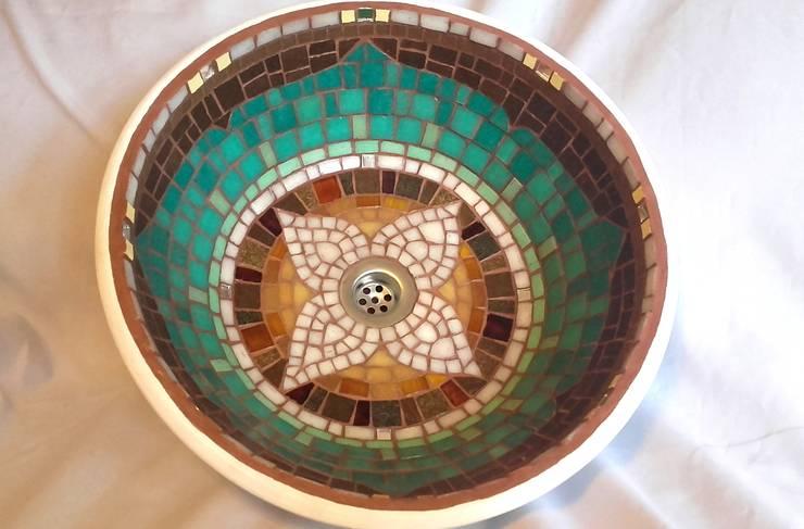 Bachas en mosaico veneciano:  de estilo  por Mosa Y Quito,Clásico