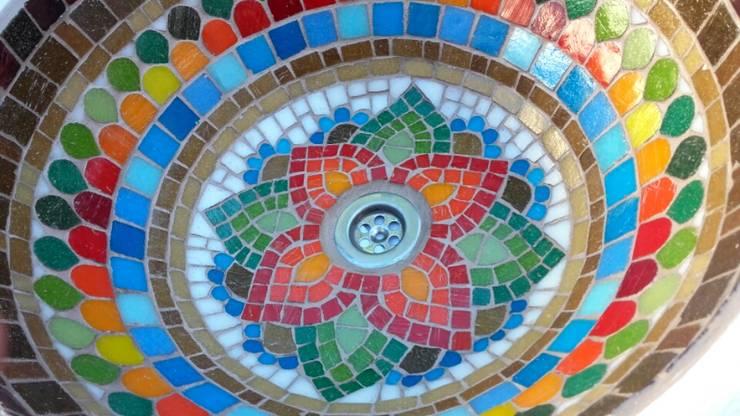 Bachas en mosaico veneciano:  de estilo colonial por Mosa Y Quito,Colonial