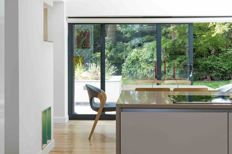 Dining room by LA Hally Architect, Modern