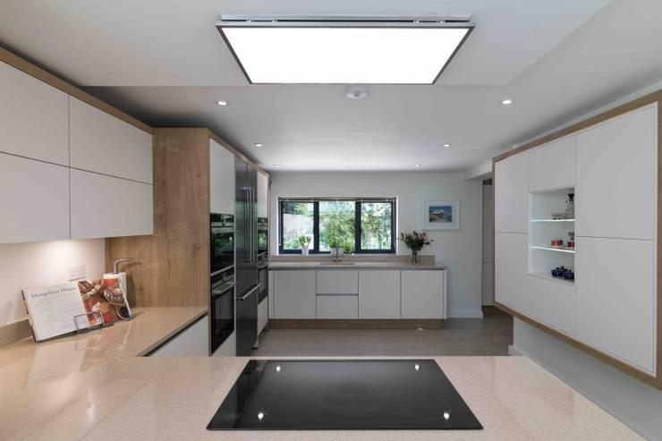 Dapur oleh LA Hally Architect, Modern