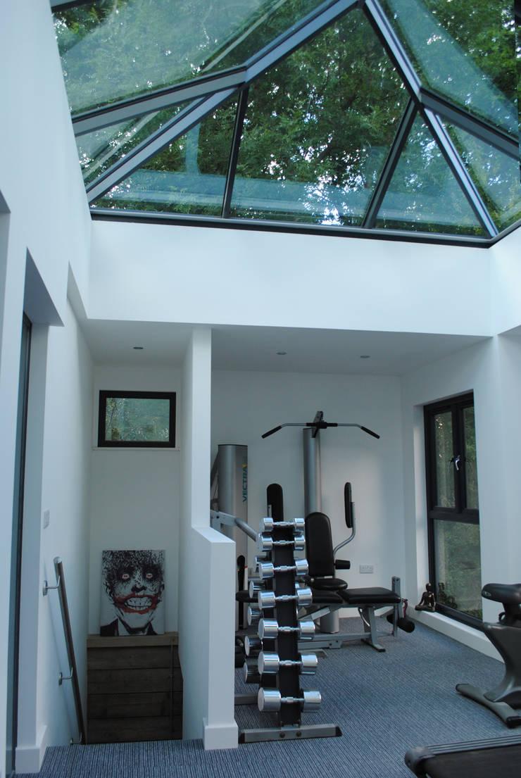 Ruang Fitness oleh LA Hally Architect, Modern
