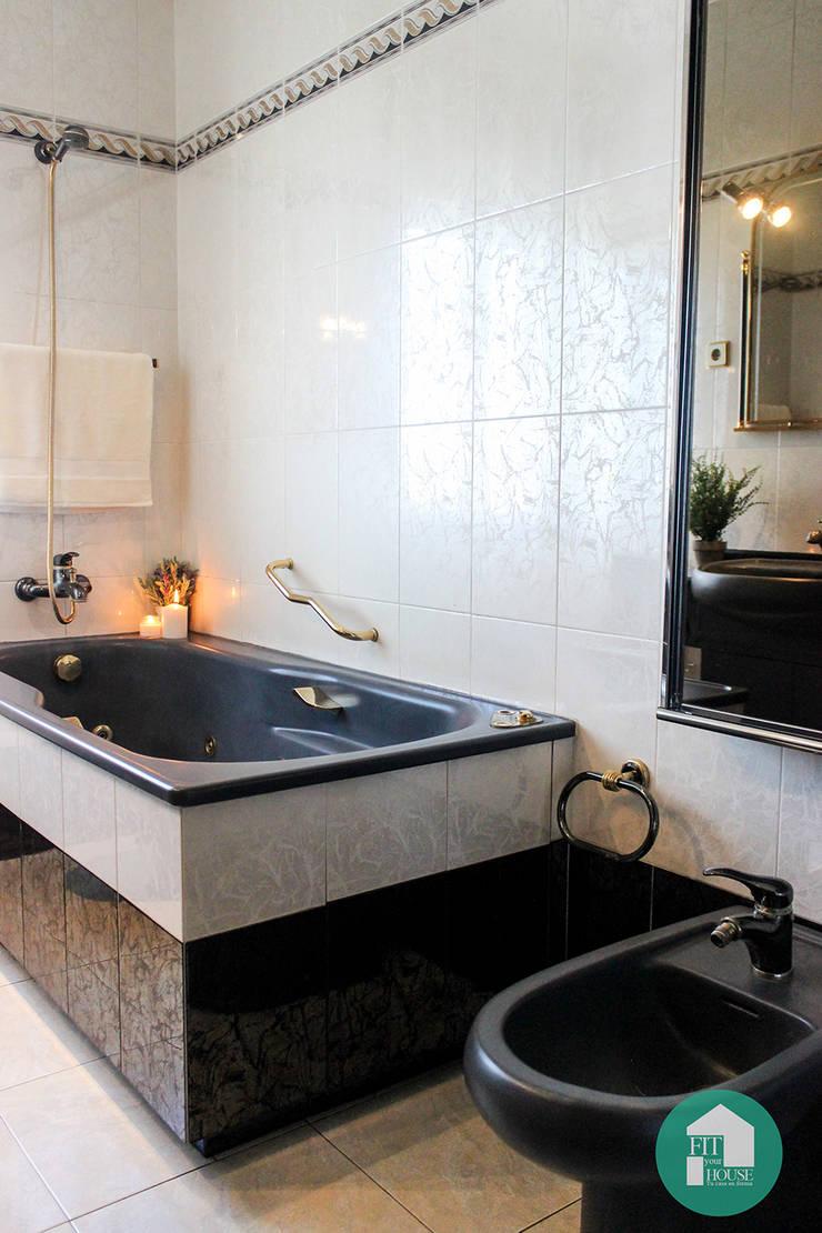 Vista de la zona de baño después del HOme Staging:  de estilo  por Fityourhouse AD & Home Staging